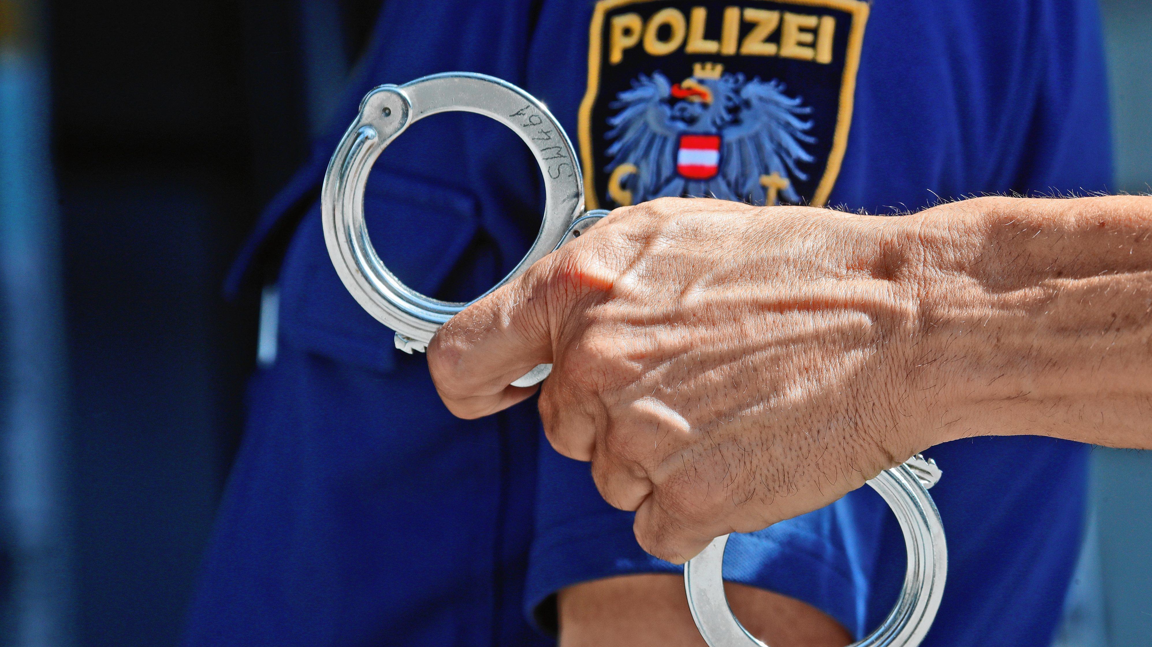 Banküberfall vereitelt: Täter ist Ex-Polizist!