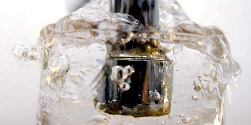 Dorf hat Wein statt Wasser in Leitung