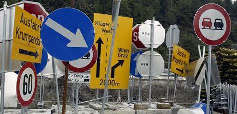 ÖAMTC sucht überflüssige Verkehrszeichen