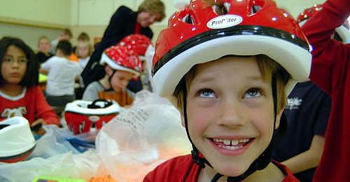 Nur jedes dritte Kind trägt beim Radeln einen Helm