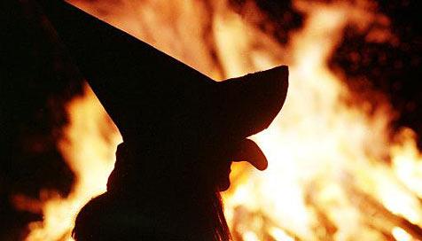 Hauptberufliche Hexe gesucht