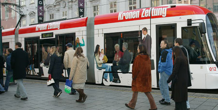 Fast 100 Millionen fahren mit den Linzer Öffis (Bild: Erich Petschenig)