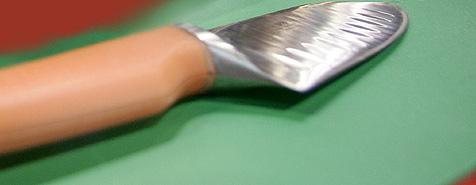 Fleischerlehrling rammt sich Messer in linken Unterarm