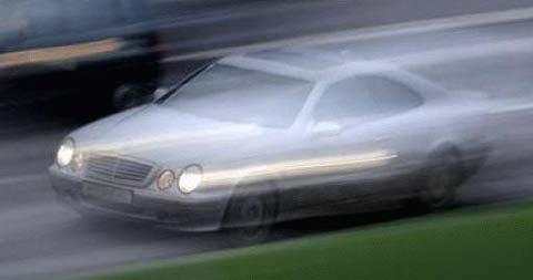 18-Jähriger flüchtet mit 180 km/h vor Polizei
