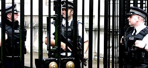 Britische Polizei verhaftet f�nf Terrorverd�chtige