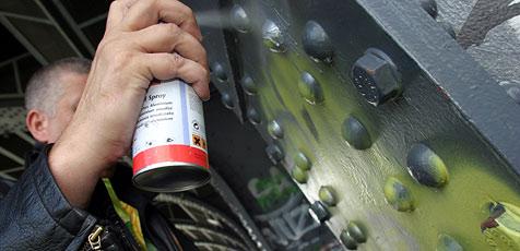 Sprayer verursachen 22.000 Euro Schaden