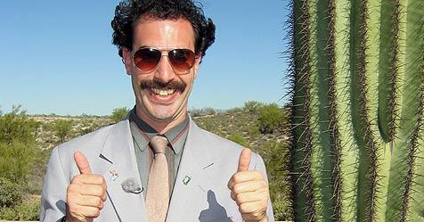 """""""Borat"""" ermittelt als """"Sherlock Holmes"""" (Bild: © 2006 Twentieth Century Fox)"""