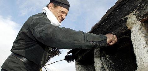 Rauchfangkehrer sind nun Sache des Umweltressorts (Bild: Christof Birbaumer)