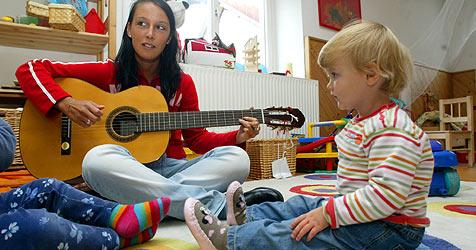 Urlaub verbraucht - erste Notfälle bei Kinderbetreuung (Bild: Christof Birbaumer)