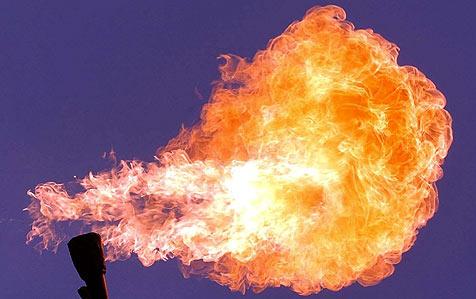 Arbeiter schwebt nach Brand in Lebensgefahr