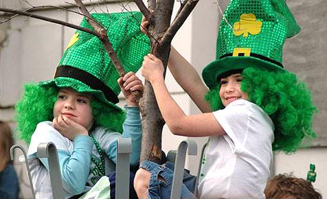 Musiker aus Wr. Neudorf nehmen bei irischer Parade teil