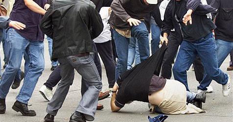 Salzburg: Polizei stoppt Schlägerei mit Pfefferspray