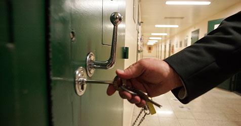 Brigitte H. gegen 3.000 Euro Kaution aus Haft entlassen (Bild: Andi Schiel)