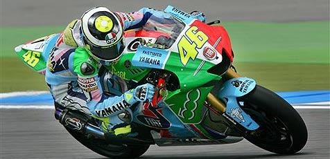 Rossi verk�rzt in Assen R�ckstand auf Stoner