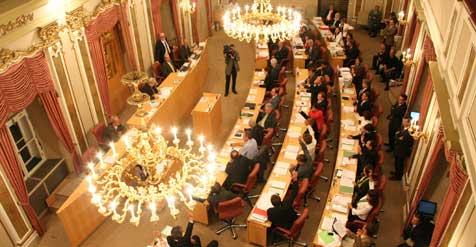 Heißer Kampf um kalte Fakten im Landtag (Bild: Werner Pöchinger)