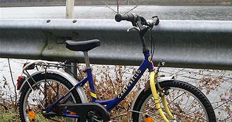 Achtjähriger Radfahrer bei Unfall schwer verletzt