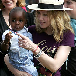 Madonnas Adoptivsohn David hat ein Brüderchen