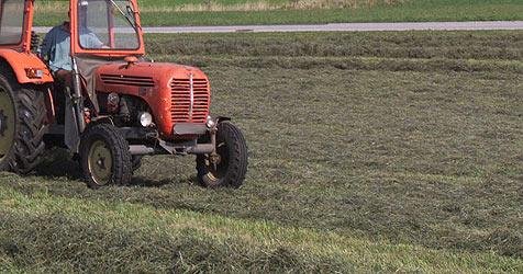 Landwirt im Bezirk Krems unter Trakor eingeklemmt - tot! (Bild: Joachim Maislinger)