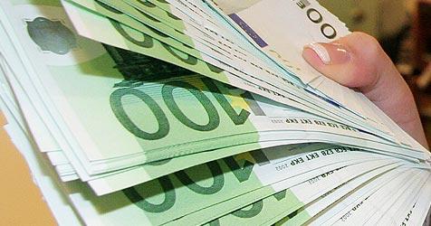 Tasche mit 15.000 Euro bei Polizei abgegeben (Bild: Peter Tomschi)
