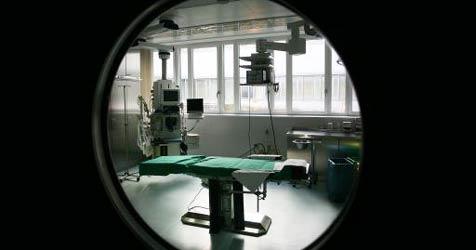 Arzt rettet mit Bohrmaschine Bub das Leben