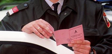 Mit gefälschtem Führerschein Job erschlichen (Bild: Martin Jöchl)