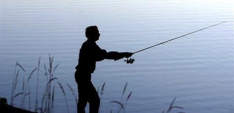 Fischer nach Anfall vor Ertrinken gerettet