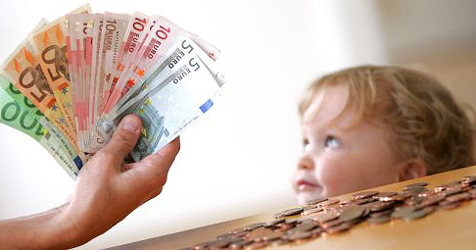 Neues Kindergeld-Modell für mehr Flexibilität (Bild: APA/HELMUT FOHRINGER)