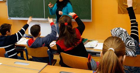 Elektronische Tafeln halten Einzug in Schulen (Bild: Chris Koller)