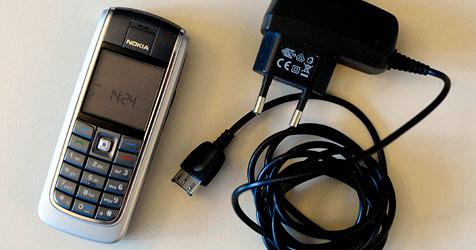 Handybranche einigt sich auf Universal-Ladegerät (Bild: Andreas Graf)