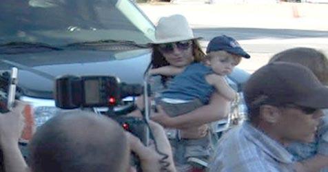 Britney darf ihre Söhne wieder über Nacht sehen (Bild: AP/TMZ.com)