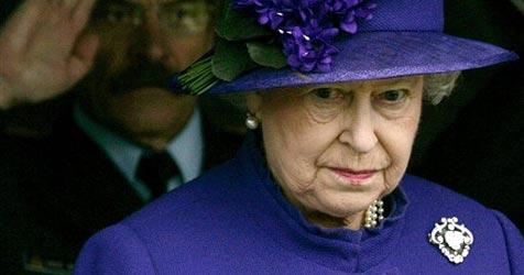 Frecher Dieb klaut der Queen das Essbesteck