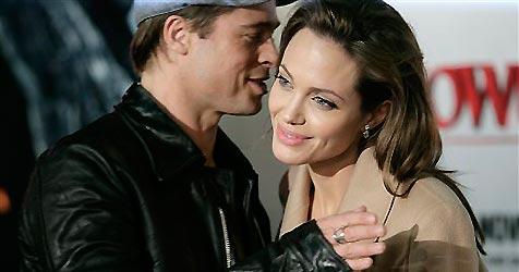 Brad und Angelina wollen Mädchen adoptieren