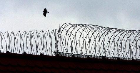 210-Kilo-Mafioso darf Gefängnis verlassen (Bild: Foto: Karl-Josef Hildenbrand dpa/lby)