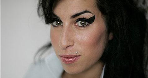 Amy Winehouse gibt jetzt das Rauchen auf