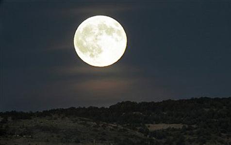 Schwede will rotes Haus auf den Mond schießen