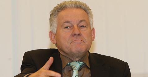 LH Pühringer will mit neuem Team aus Krise kommen (Bild: Chris Koller)