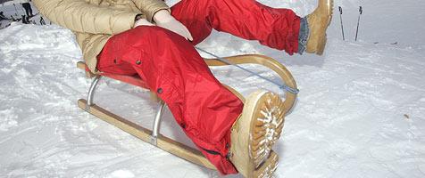 Zwei Frauen beim Rodeln im Pinzgau schwer verletzt (Bild: Martin Jöchl)
