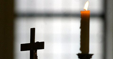 82-Jährige tagelang in eiskalter Kirche gefangen (Bild: dpa/dpaweb/dpa/Wolfgang Kumm)