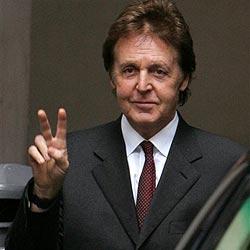 Paul McCartney hat sich Herzoperation unterzogen