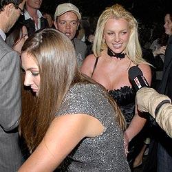 Britney Spears wieder mit Paparazzo im Hotel