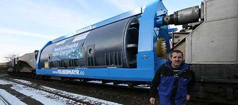Tonnenschwerer Generator für Timelkam und WM (Bild: Horst Einöder)