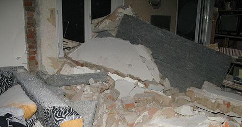 Pensionist bei Haus-Renovierung schwer verletzt (Bild: Feuerwehr)