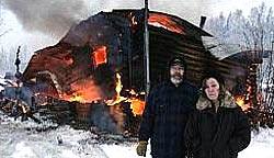 Feuerwehr kehrt 50 Meter vor Brand um