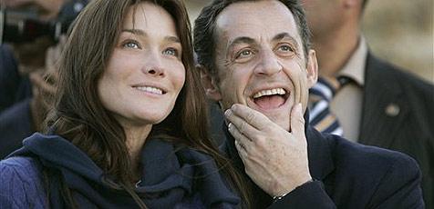"""Carla Bruni """"noch nicht"""" mit Sarkozy verheiratet"""