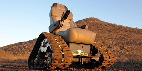 Panzer-Rollstuhl in den USA vorgestellt