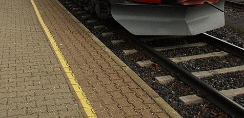 Unbekannter blockierte Schienen mit Hemmschuh (Bild: Klaus Kreuzer)