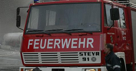 Frau aus brennender Wohnung gerettet (Bild: Jürgen Radspieler)
