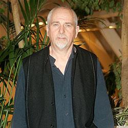 Peter Gabriel will mit Handys die Dritte Welt retten