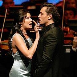 Netrebko und ihr Verlobter auf der Bühne vereint