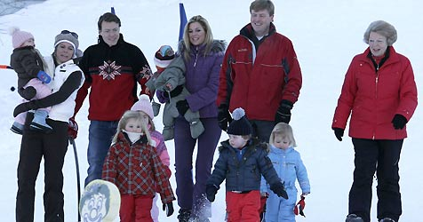 Königin Beatrix und Familie in Lech (Bild: APA/ Dietmar Mathis)